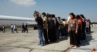 Guatemala-us-deportation-2008-11-7-18-3-36