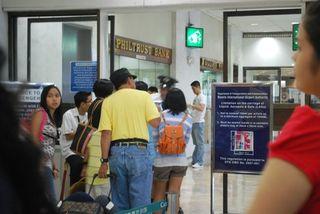 Airport pinoys