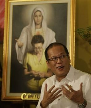 Noynoy_prayer