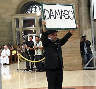 Carlos Celdran - Damaso
